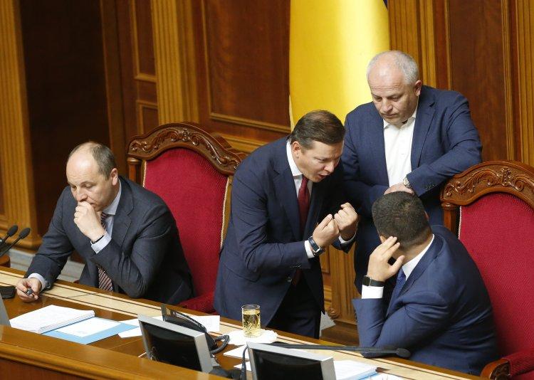 Возникли разногласия насчет участия в выборах крупных блоков