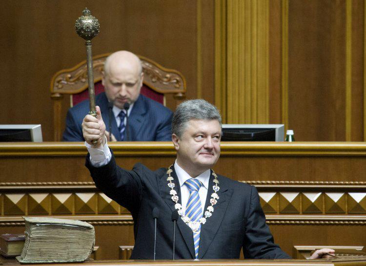 Как Порошенко собирается сохранить власть на следующее десятилетие