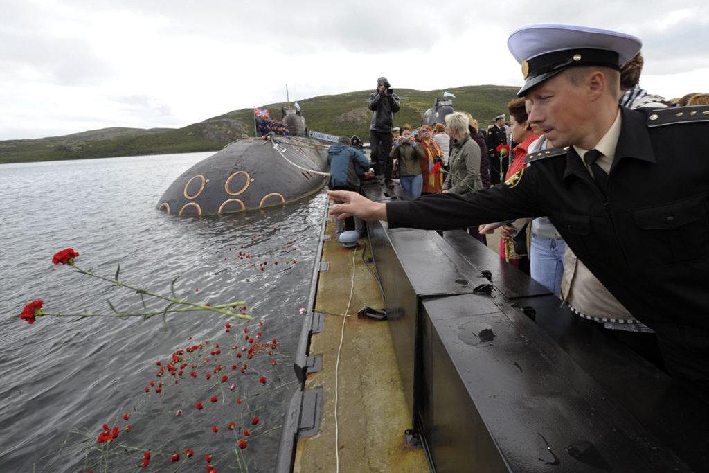 Как прокомментировали пользователи соцсетей годовщину трагической гибели подводников