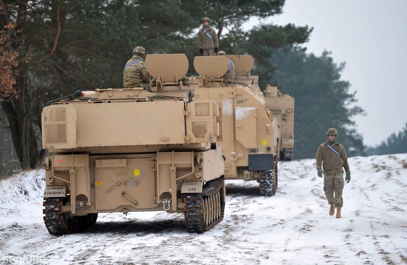 """Фельгенгауэр об усилении военного потенциала США и """"холодной войне №2"""""""