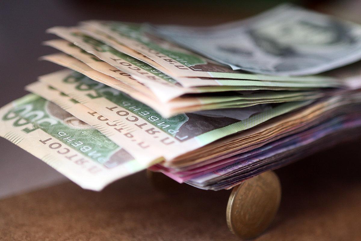 Повышение минимальной зарплаты не выведет экономику из тени, следует ожидать обратного результата