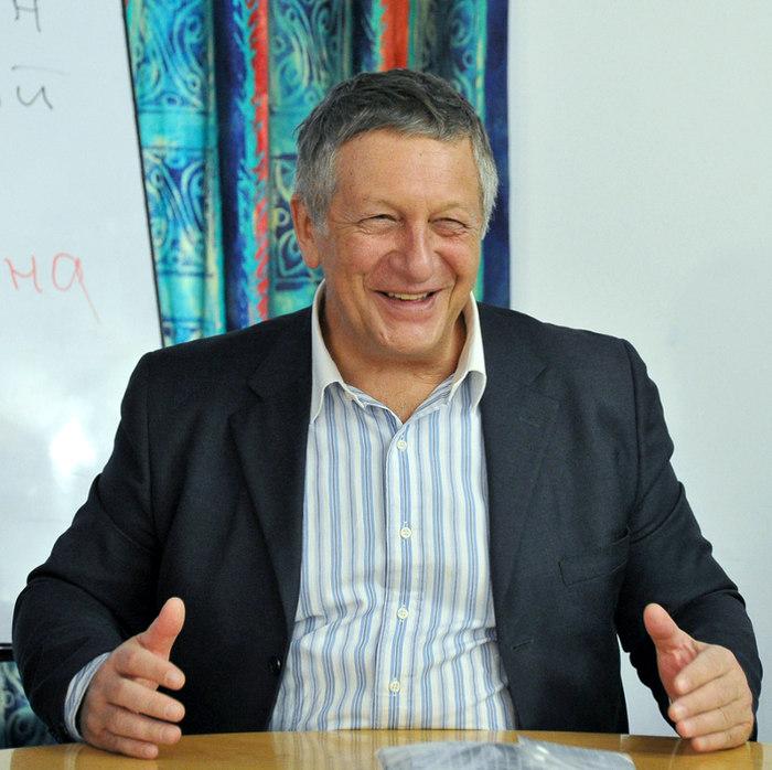 Известный российский оппозиционер полагает, что Украина должна решить конфликт на Донбассе силой