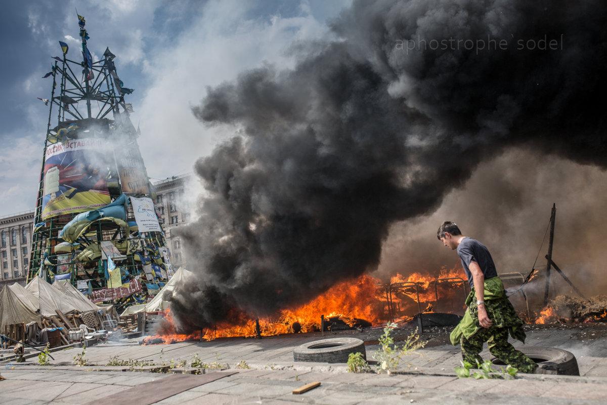 Палаточный городок и баррикады в центре Киева демонтированы