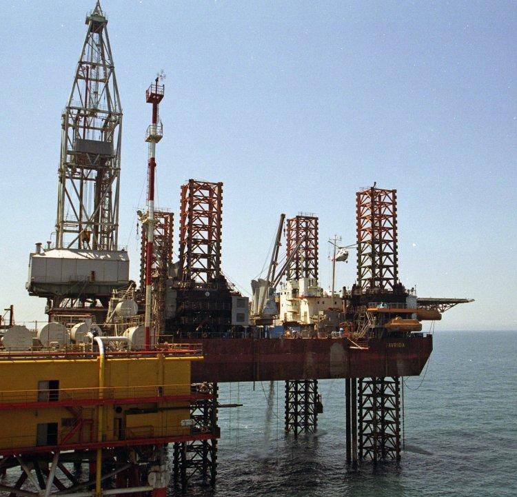 Чем закончится противостояние вокруг буровой платформы в Черном море