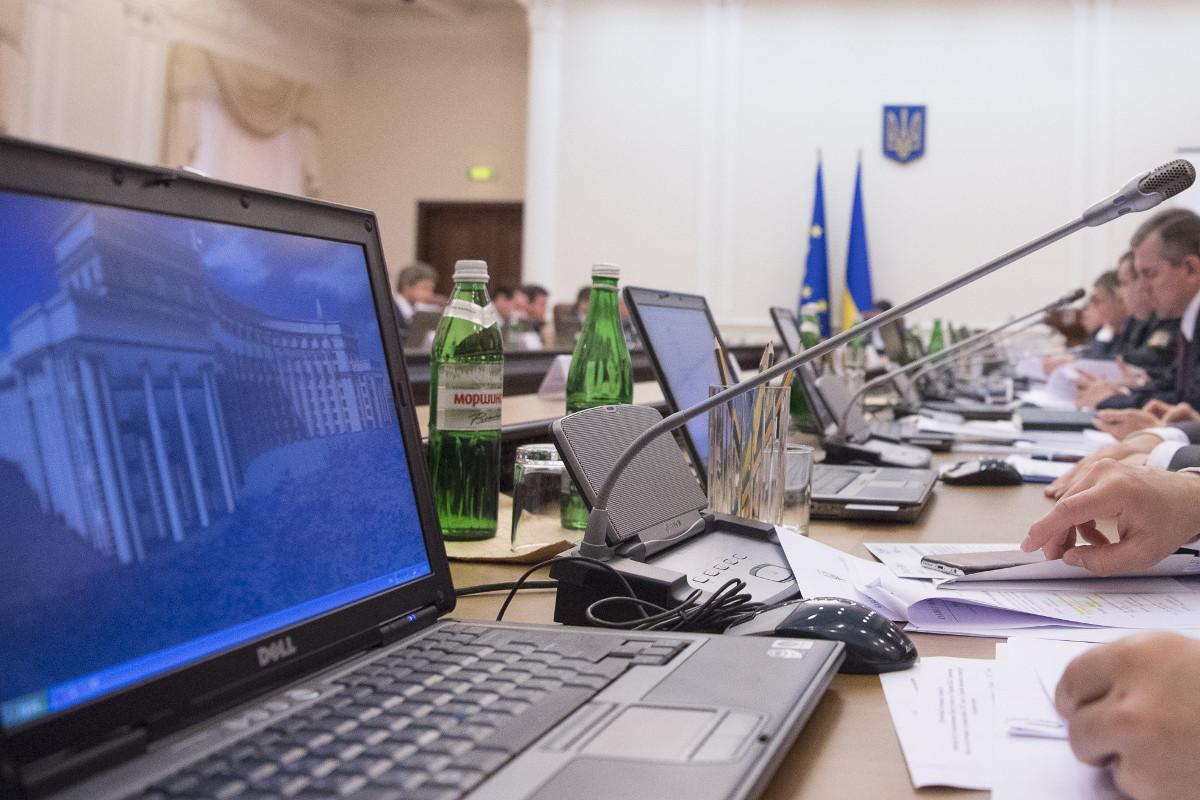 Идет формирование комиссии, которая будет выбирать госсекретарей в министерства