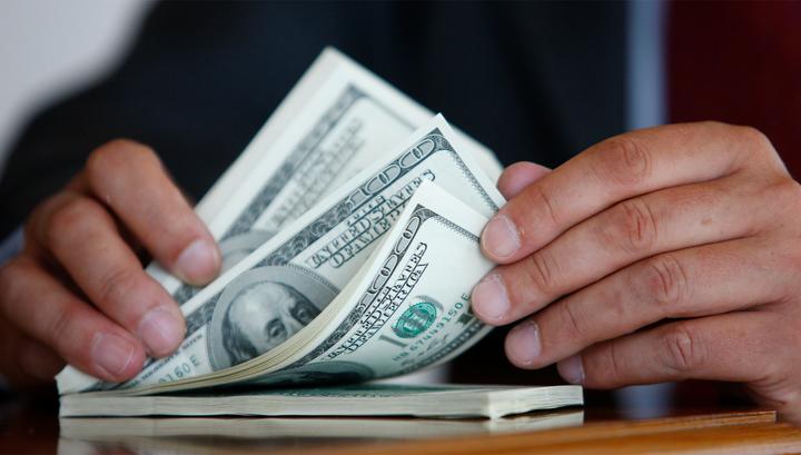 Путем мошенниченства он вытягивает средства из карманов инвесторов строительства жилого дома