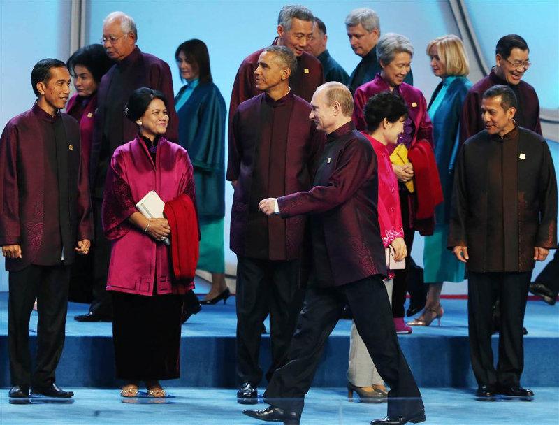 На саммите АТЭС в Пекине президент России инициировал разговор с Бараком Обамой