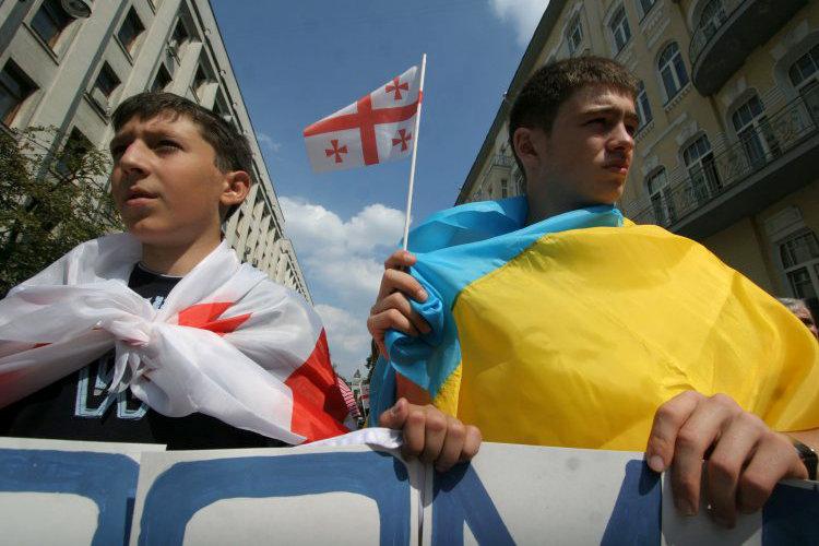Как блогеры отреагировали на решение о раздельном рассмотрении визовой либерализации с ЕС для Украины и Грузии