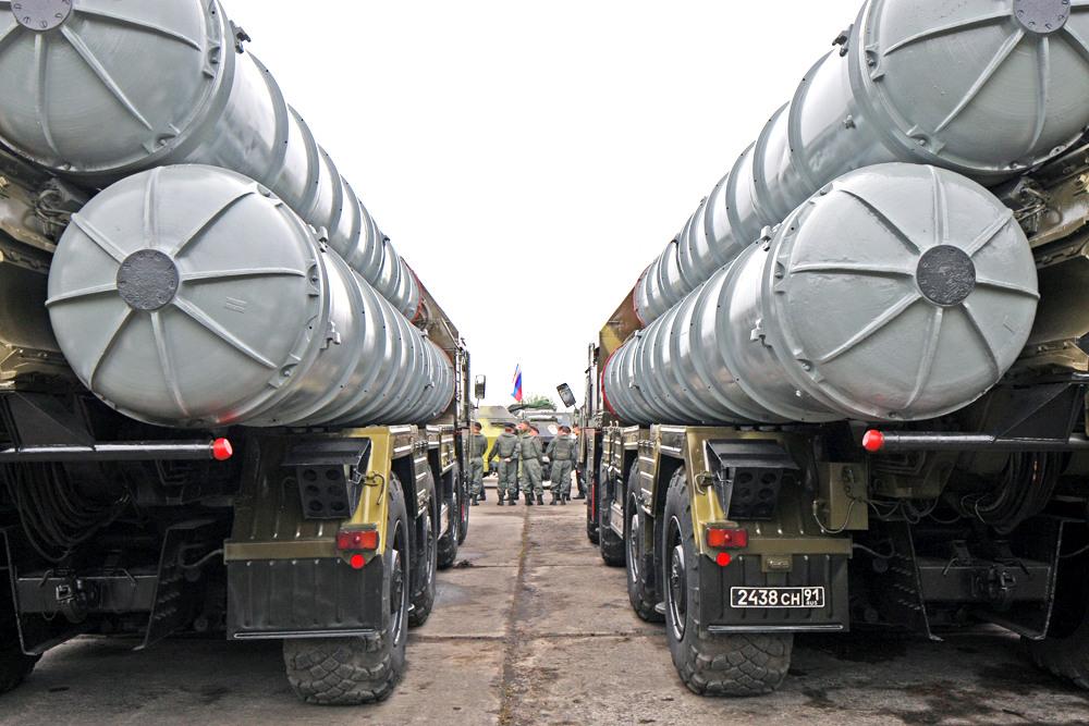 Разведка США считает, что ситуация на Ближнем Востоке имеет связь с украинскими событиями