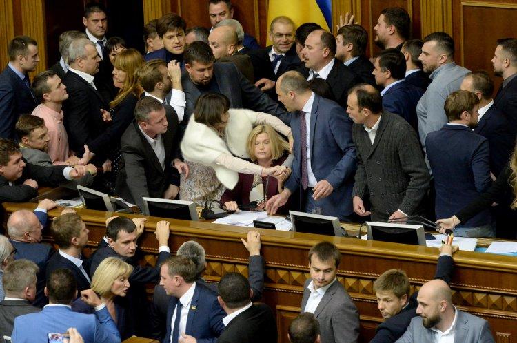 Про найбільш неоднозначні моменти гучних законопроектів щодо Донбасу