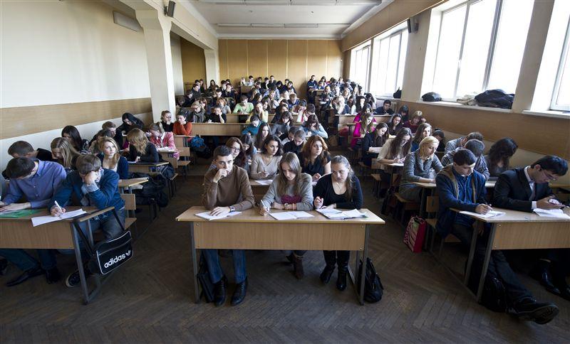 Минобразования хочет внедрить новый порядок выплаты денежной помощи студентам вузов