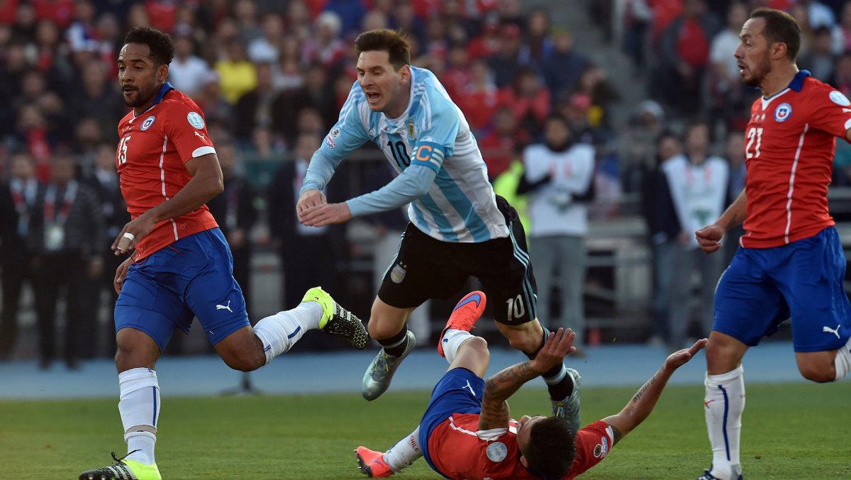 Хозяева турнира в решающем матче одержали победу в серии послематчевых пенальти