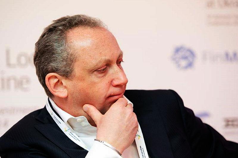 Путин может выйти из Кремля только в горизонтальном виде,— Слава Рабинович