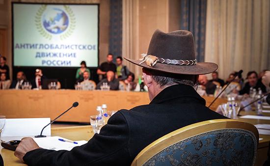 Конференция сепаратистских движений российскому публицисту Леониду Радзиховскому кажется собранием городских сумасшедших и бессмысленным пиаром