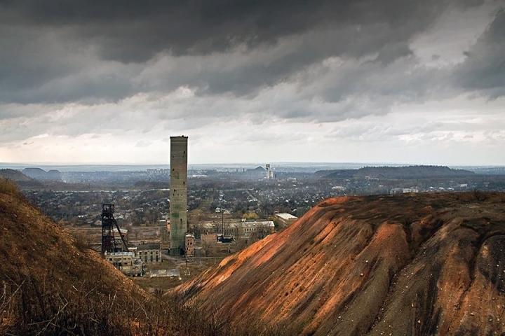 Пока оккупанты распиливают промышленность, население страдает от техногенных проблем