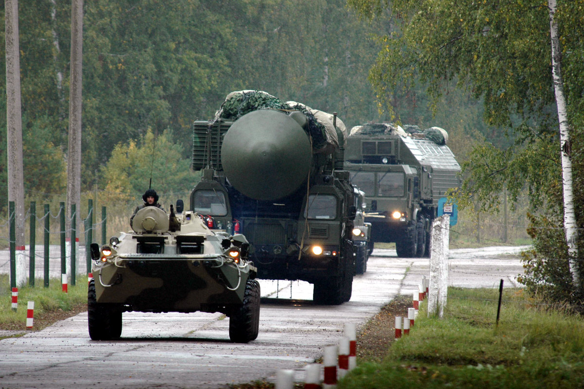 """Российский военный эксперт полагает, что мир движется в ситуацию новой """"холодной войны"""" либо уже в ней находится"""