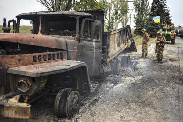 Спустя месяц после объявления перемирия на Донбассе продолжаются боевые действия