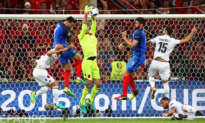 Сборная Франции во втором туре группового раунда чемпионата Европы победила Албанию и вышла вперед