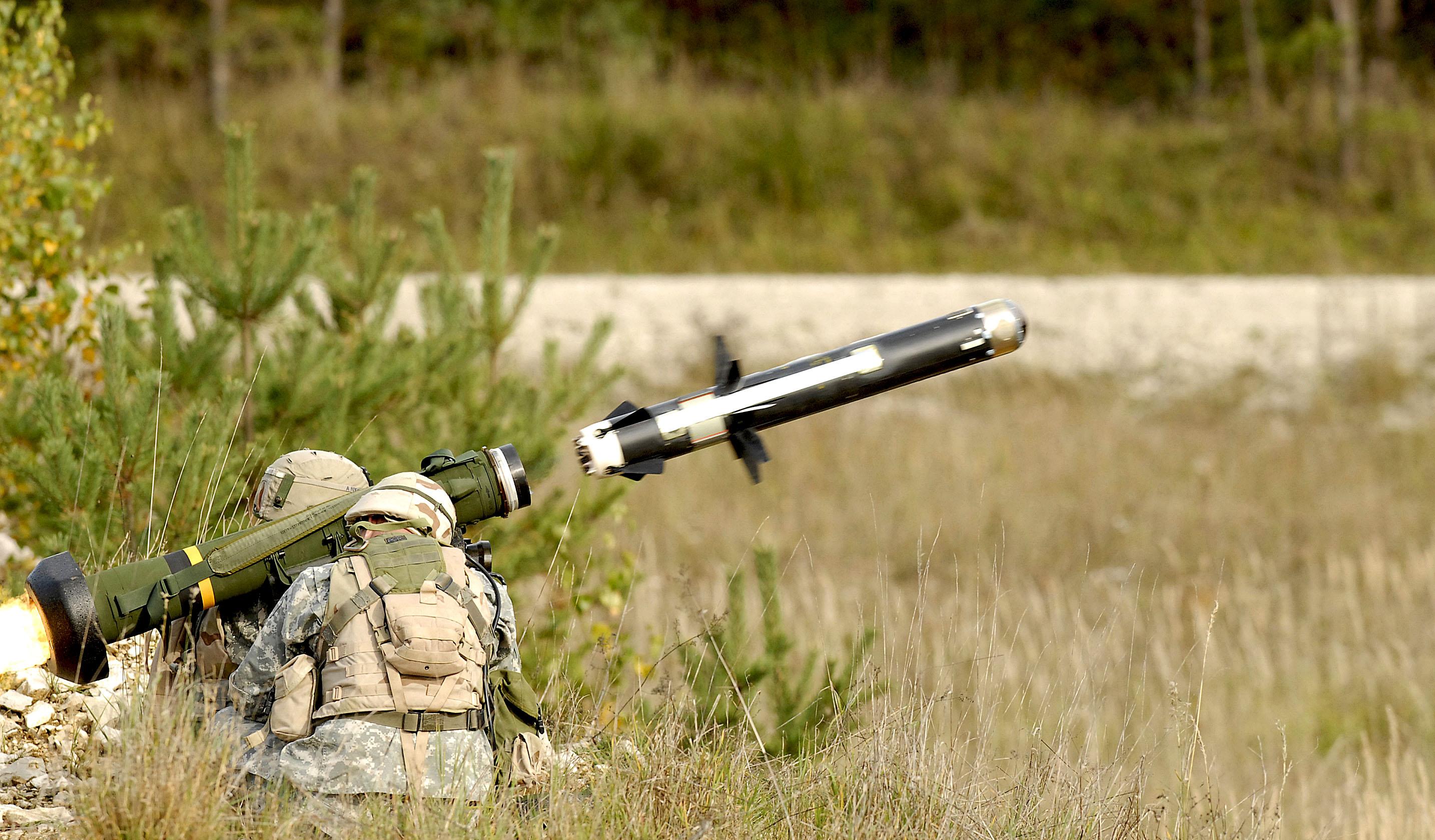Если армия управляемая, то она воюет, если она неуправляемая - это куча вооруженных людей