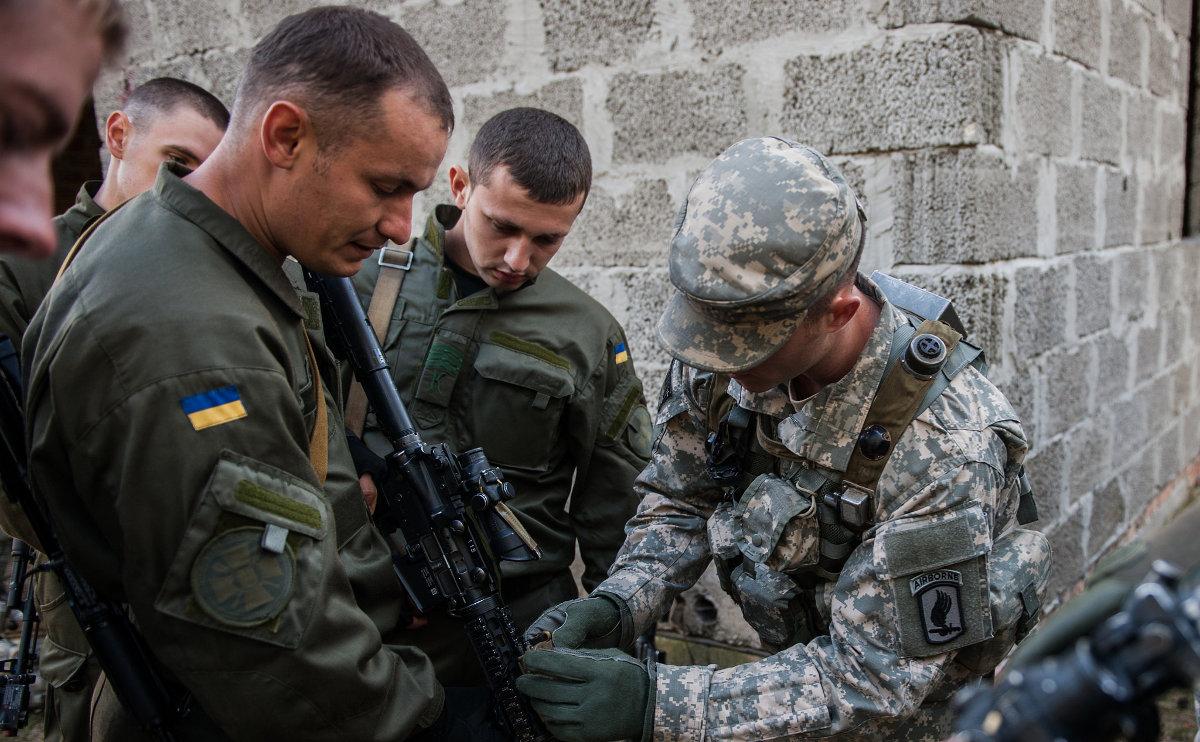 Российское военное вторжение в Украину раскололо Европу на запад и восток