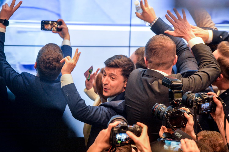Результат выборов вызвал у приверженцев обоих кандидатов различные эмоции