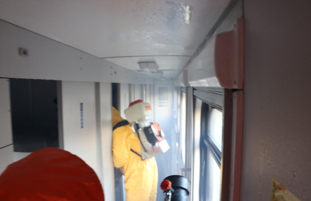 """У пассажира поезда """"Рига-Киев"""" нашли коронавирус - в вагонах ехали сотни людей: фото"""