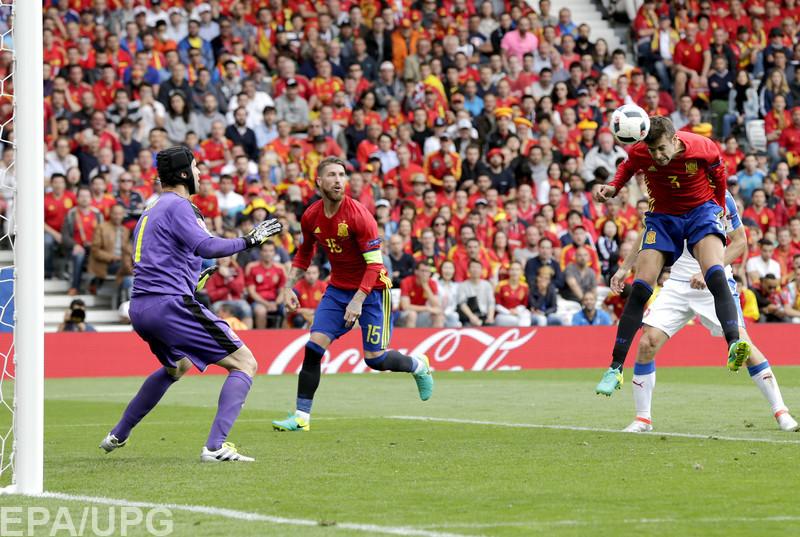 Испанцы на старте Евро-2016 сумели добиться положительного результата