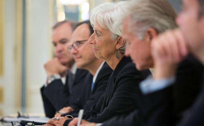 Украина cможет получить средства от Международного валютного фонда не раньше февраля