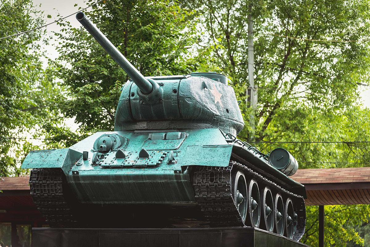 Нардеп Вадим Новинский считает неправильным переписывать историю победы во Второй мировой войне