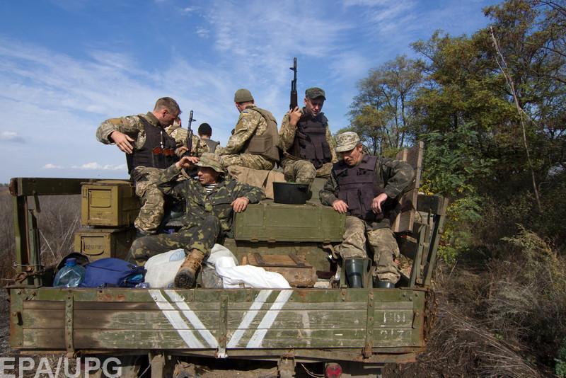 Волонтеры говорят о низкой мотивации среди военнослужащих-контрактников и некомплекте личного состава