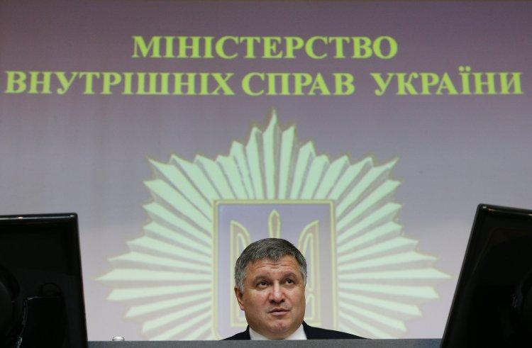 Зачем глава МВД угрожает оставить суды без охраны