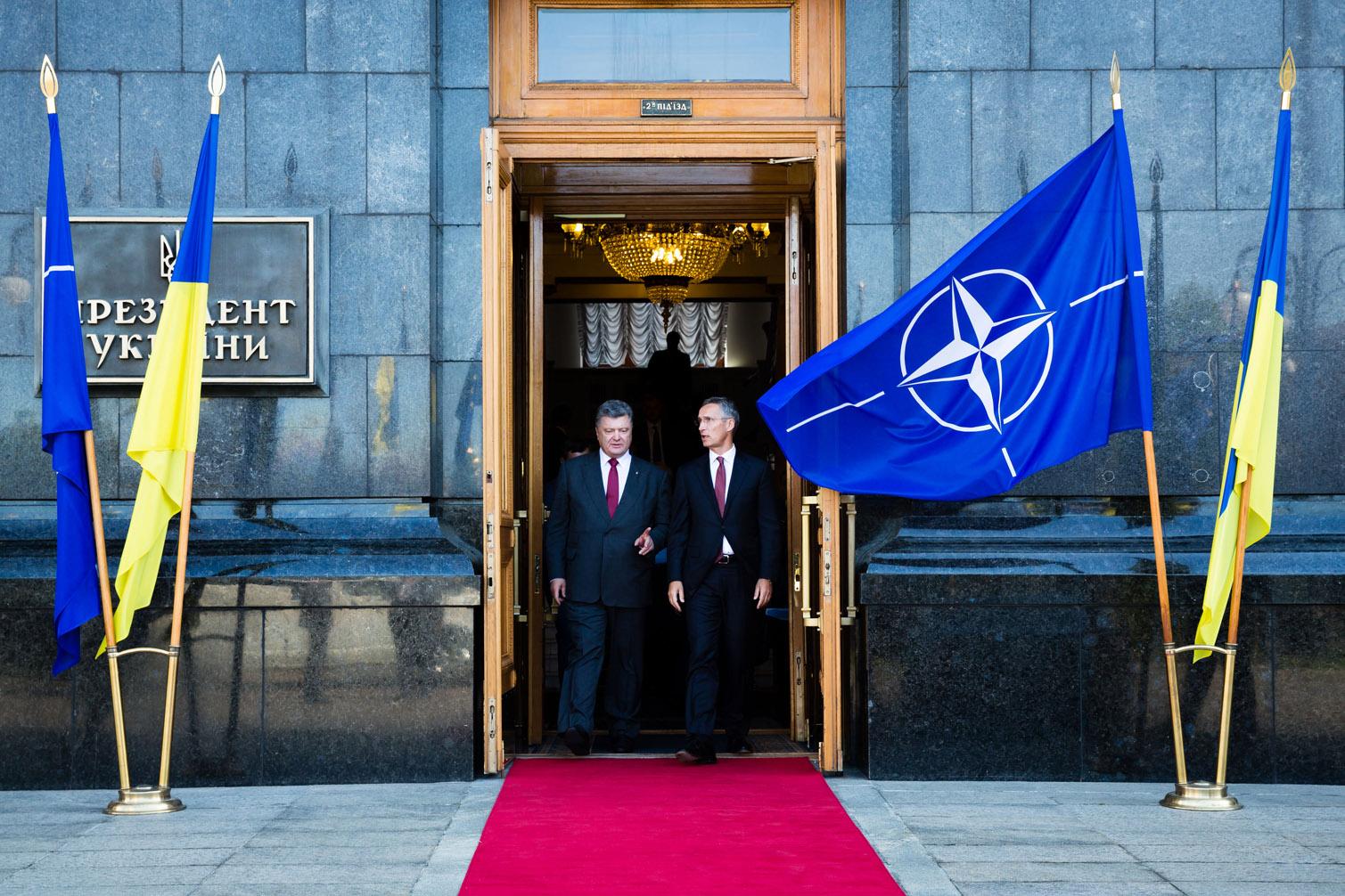 Вступление страны в Альянс пока не в руках украинцев