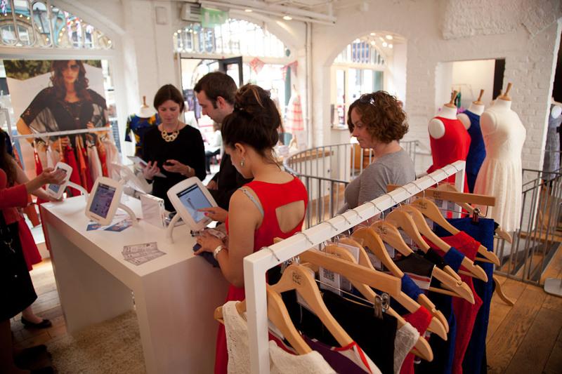 Компания планирует зарегистрировать бренд одежной сети F&F