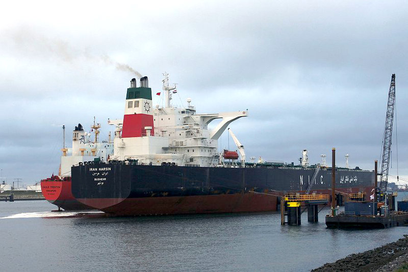 Снятие санкций с крупнейшего поставщика иранской нефти ослабит позиции России на энергорынке