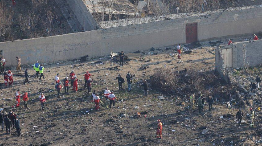 Среди погибших 11 украинцев - 9 членов экипажа и двое пассажиров.