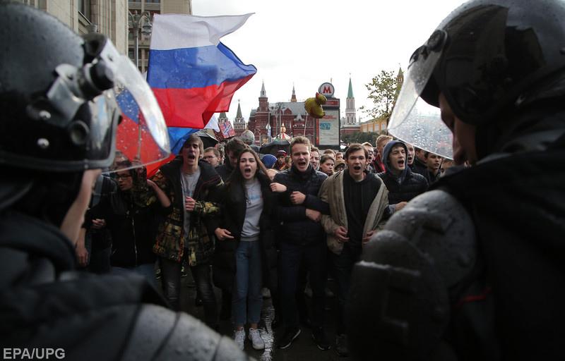 Кремль хоче зняти з себе відповідальність за придушення протестів