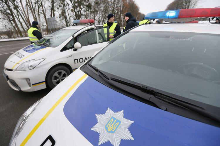 Эксперты считают, что полиция не располагает достаточным оборудованием и навыками для работы