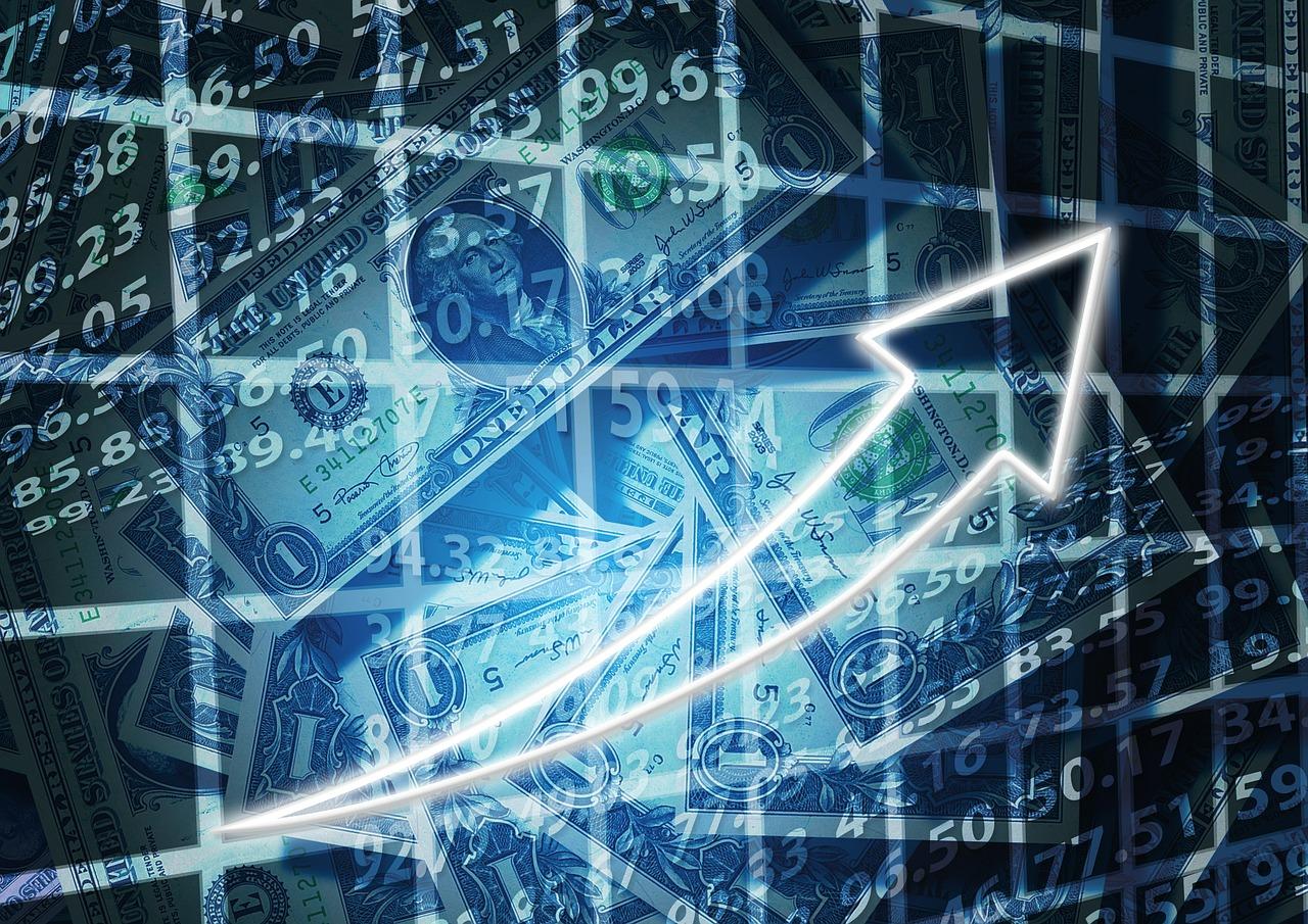 Любое вмешательство может загнать рынок валюты в тень