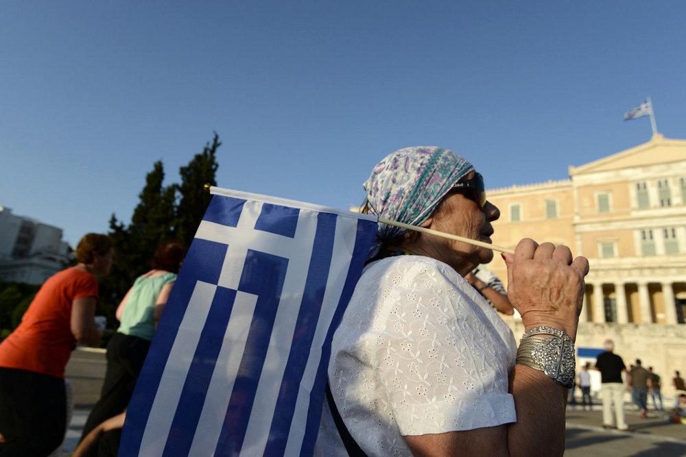 По мнению экспертов, Греция шантажирует кредиторов, но этого не может позволить себе наша страна