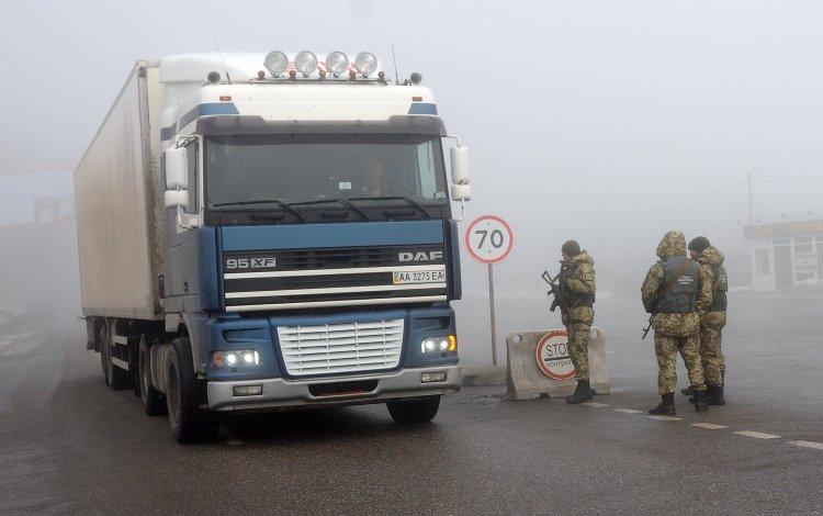 От блокады грузовиков украинский бизнес потеряет больше, чем российский