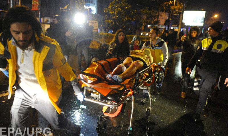 Характер теракта в турецком ночном клубе напоминает парижские события ноября 2015 года