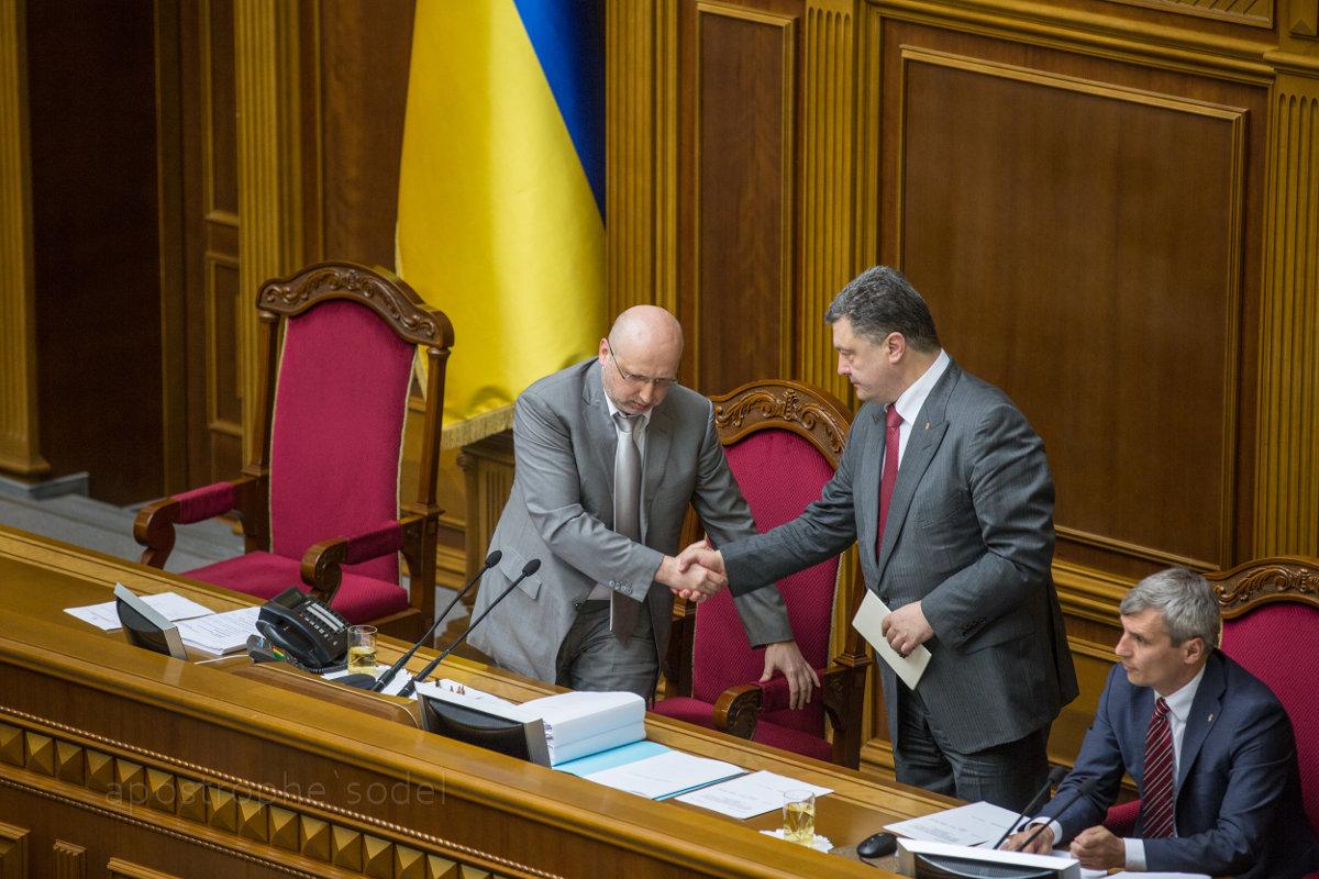 Президент подписал закон, позволяющий вводить ограничения против российских компаний и граждан