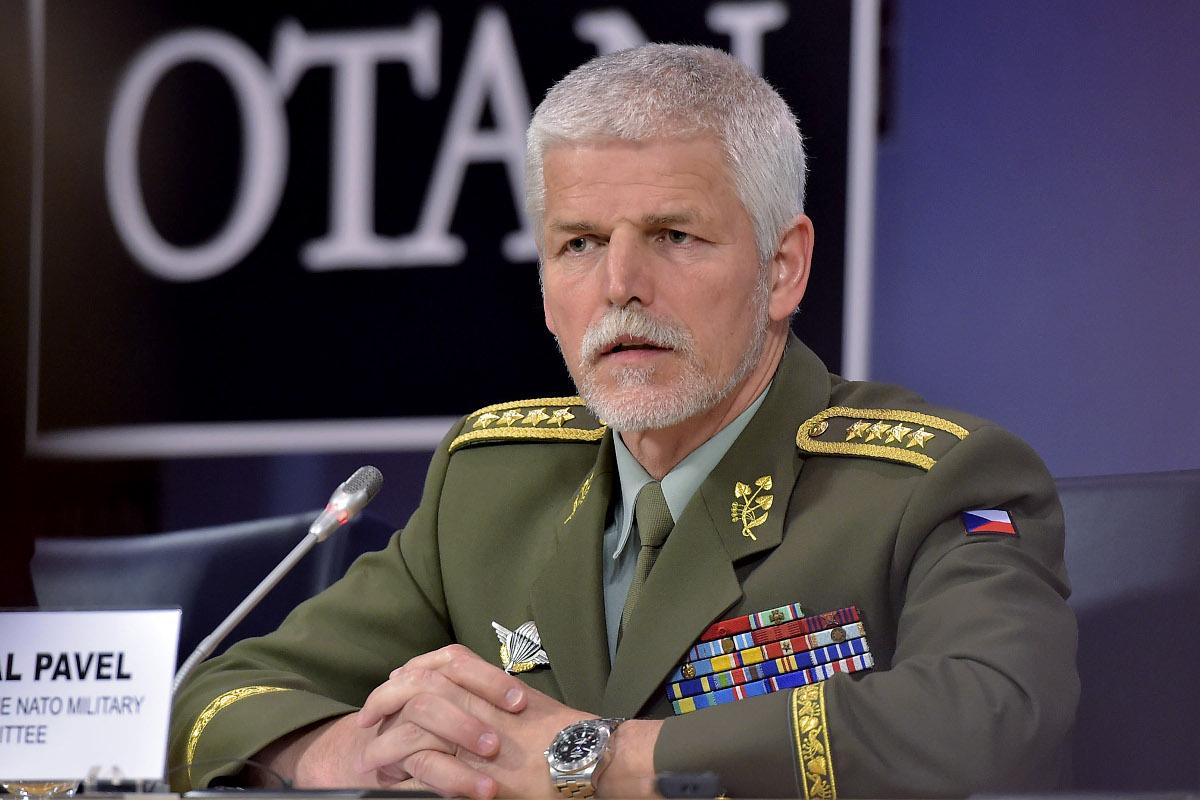 Украине будет трудно добиться от Альянса организации поставок оружия летального действия