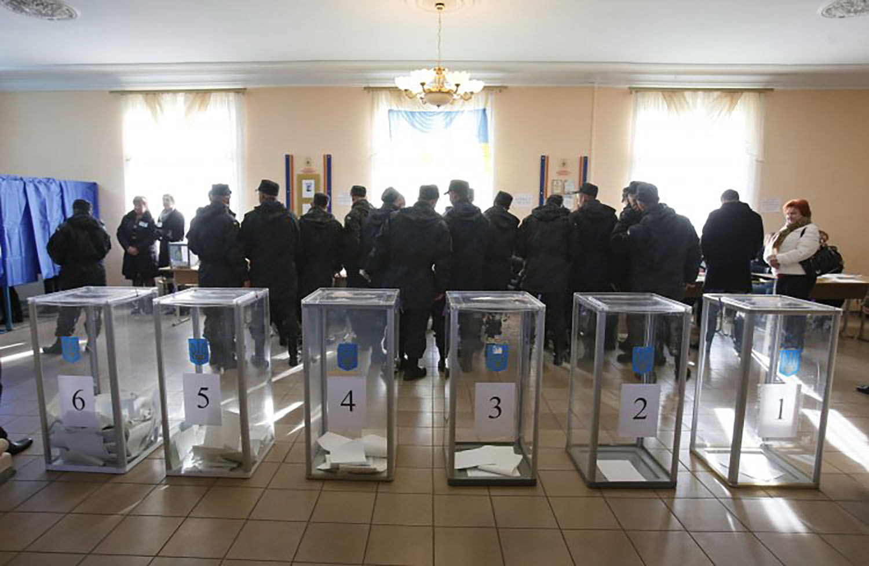 Чим намагаються заманити виборців Порошенко, Тимошенко, Зеленський, Гриценко, Бойко і Вілкул