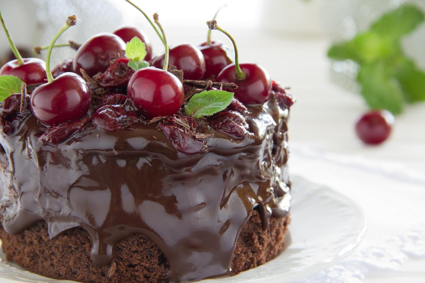 Днем рождения, фото тортика открытка