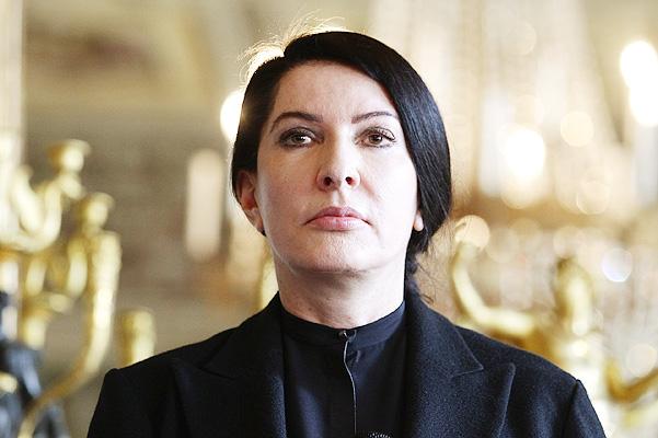 «Ради своего искусства»: художница Марина Абрамович после нападения оказалась внутри своего портрета
