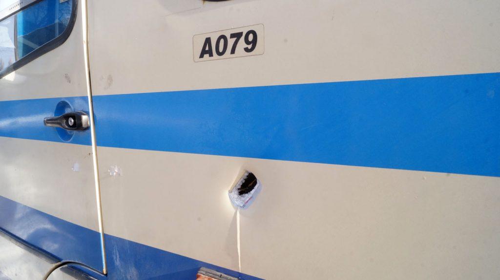 Матюхин: НаДонбассе боевики обстреляли гражданский автобус, ранена женщина