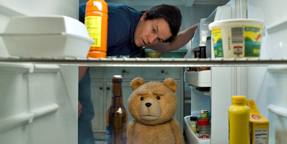 На экраны вышло продолжение грубоватой комедии про плюшевого медвежонка