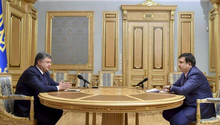 Порошенко потерял авторитет среди западных партнеров, говорят в ЕС