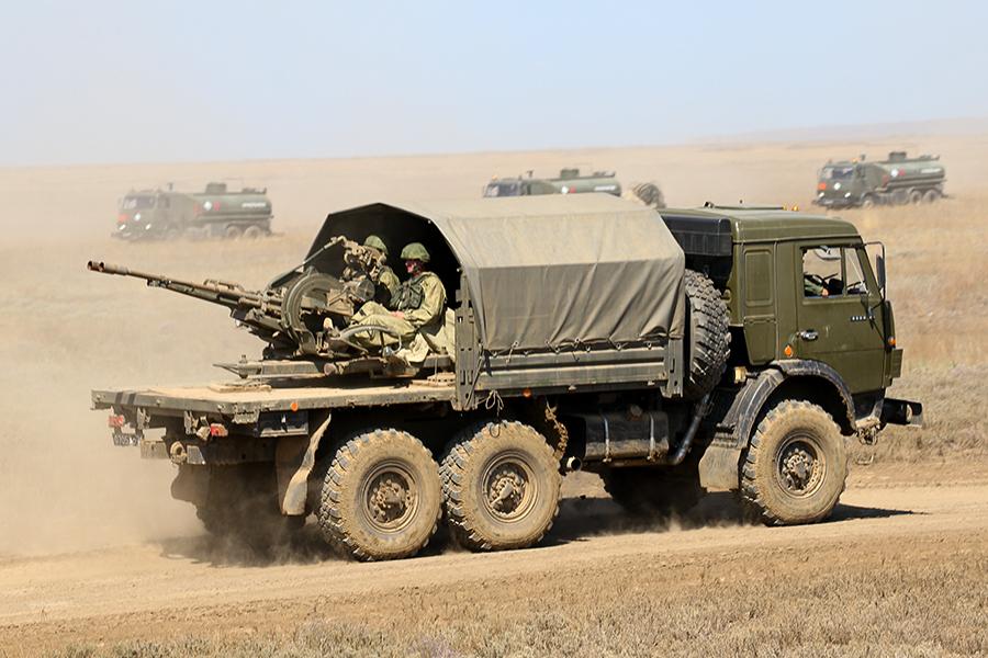 Эксперт рассказал, зачем россияне усиливают свои войска в ДНР и ЛНР